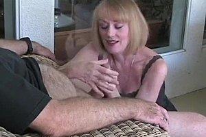 mummo antaa blowjobs